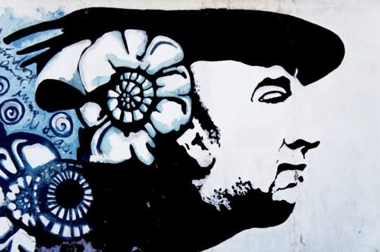 Pablo Neruda - fresque Street Art - devant sa maison de Santiago